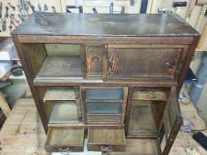 家具リメイク|茶箪笥|修理前2枚目