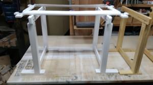 刺繡台、作業台に刺繍枠設置