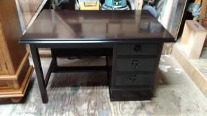 テーブルの塗替え修理